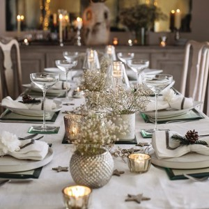 cute-gold-christmas-table-decorations-white-home-design-806x806